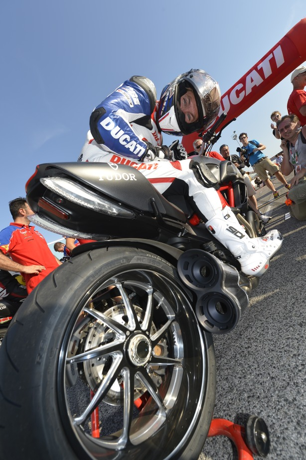 dengiu_World Ducati Week_Drag Race_Troy Bayliss _02